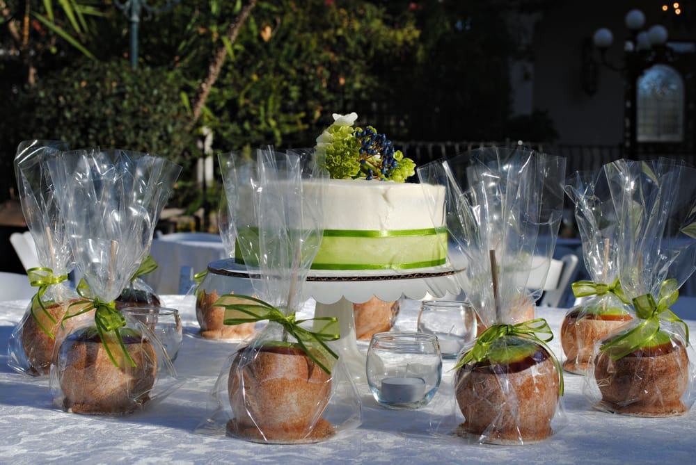 Madison Avenue Catering Caramel Apples, catering, mesa az catering, arizona catering, arizona caterer, mesa az caterer, wedding caterer, event caterer, mesa az wedding, mesa az event, villa sienna caterer, villa sienna event caterer, villa sienna wedding caterer